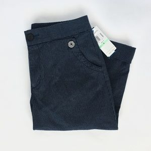 NWT Dockers Ideal Fit Knee Length Women Navy Pants